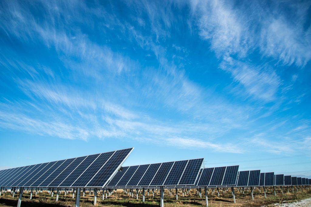renewable energy body image 3 - solar farm